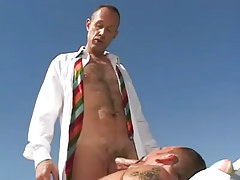 Mature hairy man sucked by bear gay outdoor